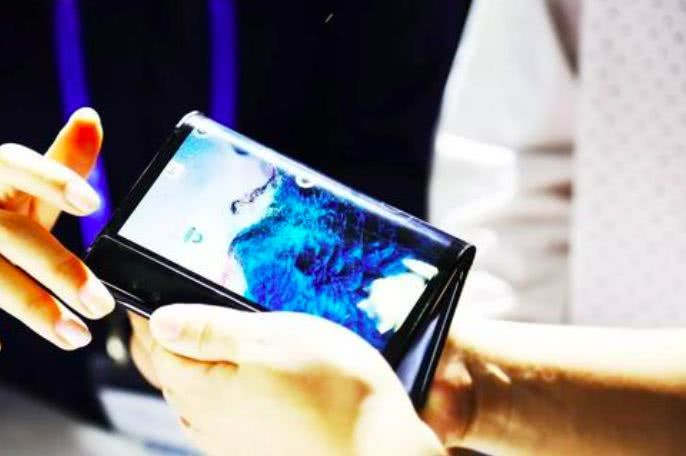 折叠屏手机元年,柔宇的内忧外患
