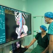 """海信助力!山东完成首例""""3D+5G"""" 肾结石微创手术直播"""