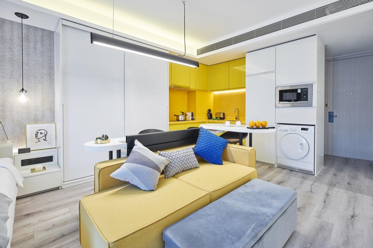 图片包含 室内, 地板, 墙壁, 天花板 描述已自动生成